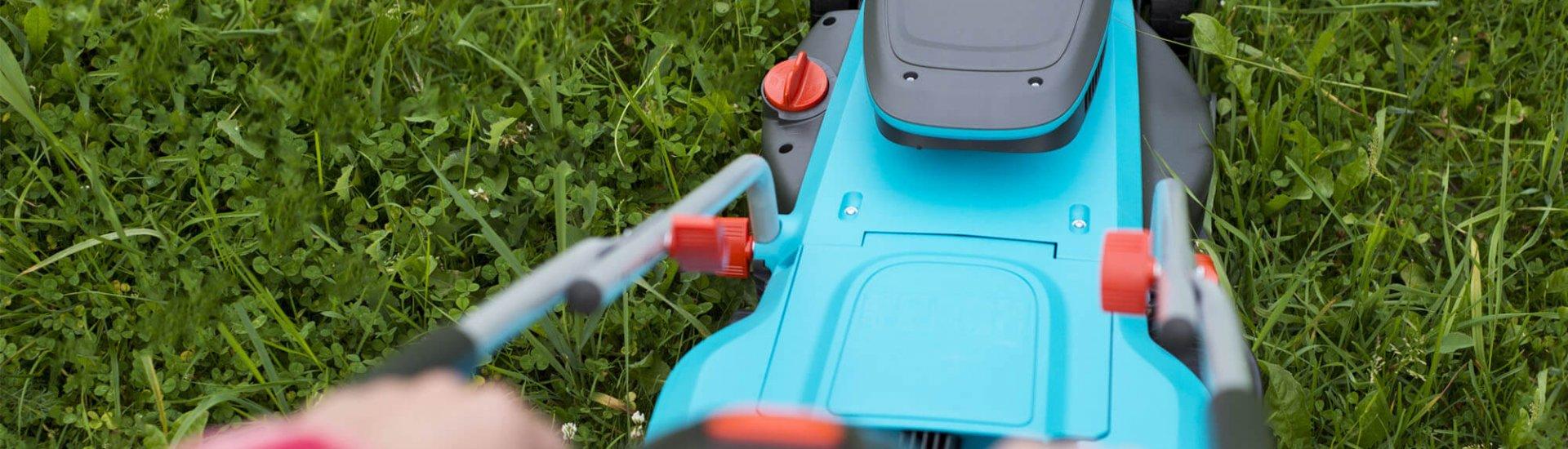 Akku Rasenmäher mit Antrieb - Erleichtertes Rasenmähen durch Radantrieb